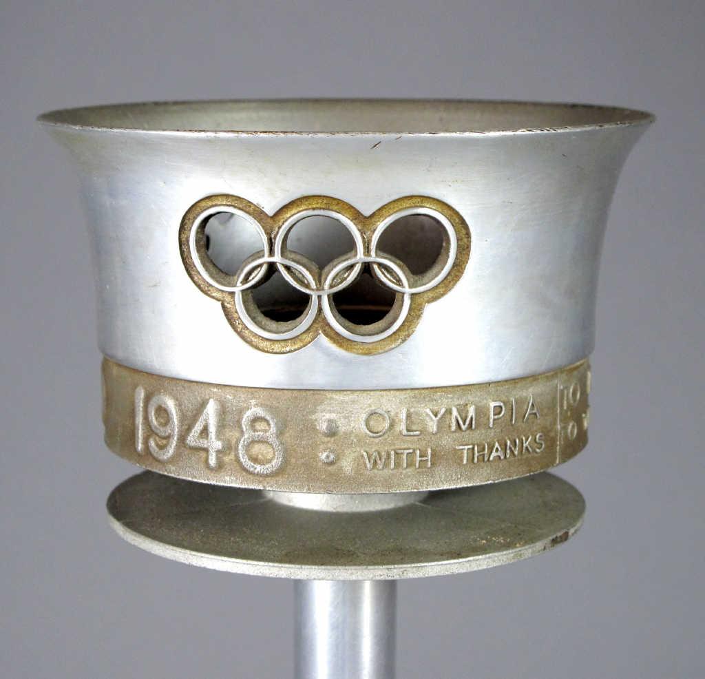 90 Torche officielle des Jeux Olympiques d'été de Londres en 1948 Vendu 3000 euros